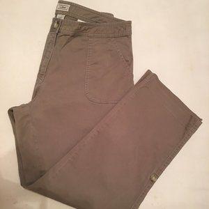 LL Bean Women's Green Cargo Pant Pockets Size 12